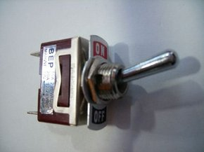 Toggle switch - on/off